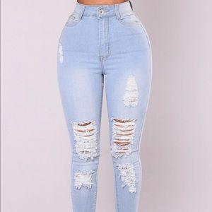 Brand New Fashionova Distressed Jeans size 7/8